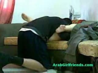 Muslim donna spread suo gambe e gets fica licked