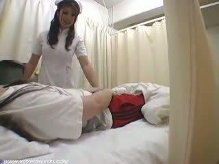 Дама медицинска сестра duties ward секс