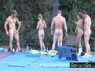 гледайте групов секс всички, големи цици, doggystyle който и да е