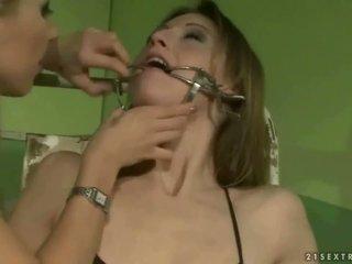 Şirret punishing bir slavegirl