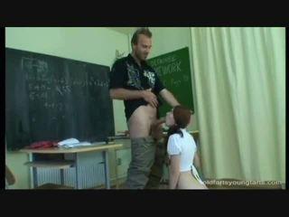 Smut schoolhotty