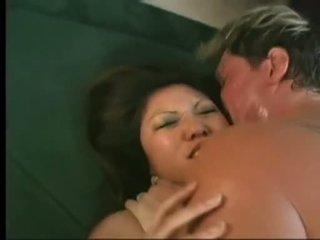 Flexible Asian Kaiya Lynn Spreaads Open Legs Getting Wet Pussy Bashed