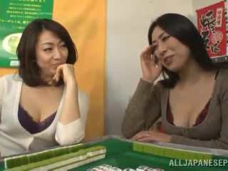 Large Chinese MILF Has Her Mound Eaten And Got Laid