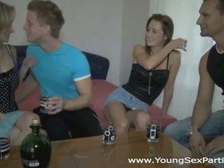 酔った sluts で ホット 若い セックス パーティー