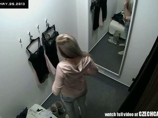 see voyeur fresh, locker room