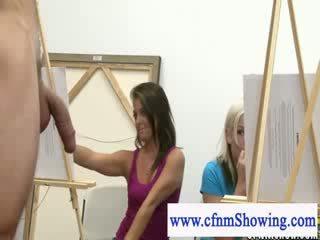 Cfnm obține închidere cu modele în timpul artclass