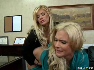 Shyla stylez ja phoenix marie are two kuuma blondes