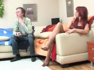 Nerd seduced بواسطة redheaded جبهة مورو