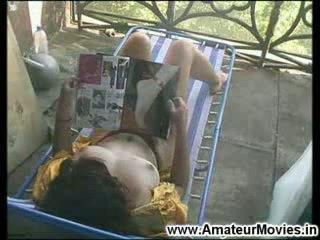 Sexy milf apanhada em escondido câmara masturbação