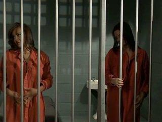 כלא רע בנות 2 טיפה the soap - nika noire