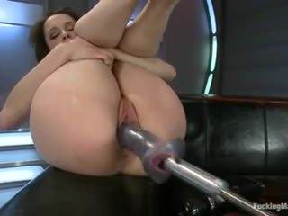Nikita bellucci - scopata macchine