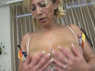 Sensuous matura miele loves a giocare sesso gioco porno gioco vicino da suo arrapato fuzz