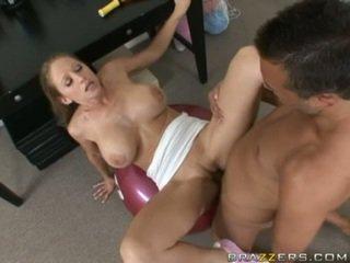 Abby rode gets 一 滿 他媽的 鍛煉 如 她 acquires slammed 上 一 健身房 ball
