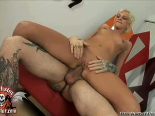 Bitchy medus christine alexis sits viņai mitra sperma hole par a thick jock un loves tas