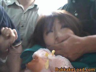 Babes maltrattata onto il autobus