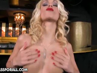 Who Wouldn't Love That Bar When You Is Able To See Erica Fontes In...