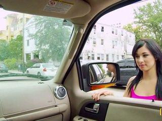 Mandy fills neki passenger oldalsó punci