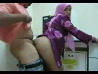 Playful arab perempuan shows mati dia bokong untuk seks video