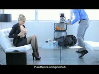 Puremature julia anns σεξουαλικός επιχείρηση συνάντηση