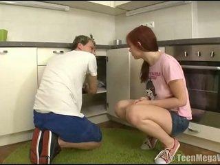 Taming egy punci nál nél a konyha