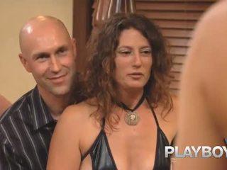 Playboy: playboy प्रस्तुत झूला 107