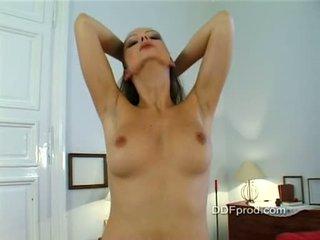 Мадама sandra shine stripping и teasing в тя стая