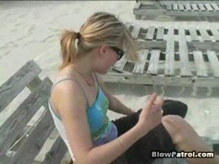 Het was spring in miami, zo wij knew deze alle een mooi nymphs waar uit onto een strand. echter, een dag deze wij went naar een strand, het was dazzling dood. wij walked voor de terwijl till wij eindelijk met katrin