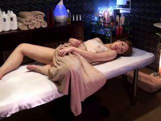 Mosaic: koledžas mergaitė reluctant orgazmas iki masseur