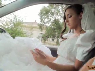 Teenie call off her wedding and fucked