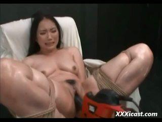 Asiatisch gemacht bis orgasmus mit leistung tools video