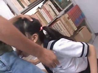 ブルネット アジアの 口 ファック ハード で 学校 図書館