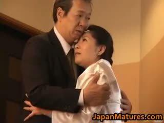 יפני, מין קבוצתי, ציצים גדולים, חובבן