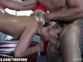 Jessie volt deepthroats αυτήν masseur και begs για πρωκτικό