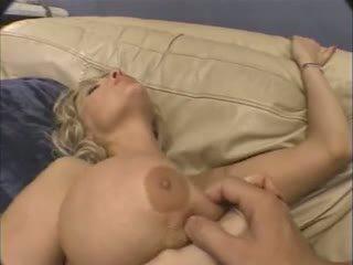 ضخم حلمة الثدي ناضج الشرجي.
