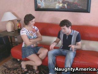 Expressive Skinny Bobbi Starr Opens Her Legs