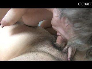 তরুণ guy licking পুরাতন লোমশ পাছা এর নানী ভিডিও