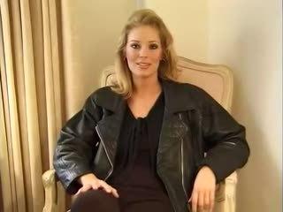 Jennifer avalon - hanya being dirinya