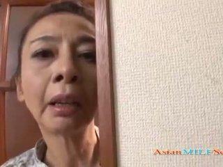 Maturidad asyano woman sa a tong sucks a titi