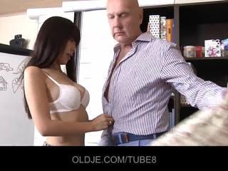 หนุ่ม assian หญิง ใน a เพศสัมพันธ์ lesson