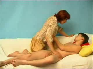 Rusinje fant zajebal s zreli teta video