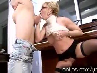 blowjob, facial, mom, housewife