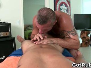 2 tuyệt vời hunks trong sexy đồng tính massage