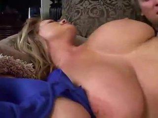 Slapen groot breasted milf
