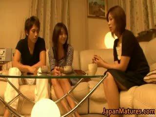 מציאות, יפני, מין קבוצתי, ציצים גדולים