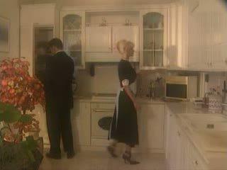 Anita ブロンド ファック で ザ· kichen ビデオ
