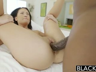 Blacked adolescente beauty tries interracial anal sexo
