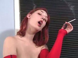 hơn hút thuốc đẹp, tóc đỏ đầy đủ, khỏa thân đẹp