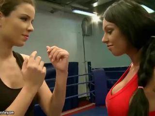 Kerry Louise vs Peaches