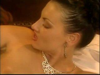 Belle laura ëngjëll likes në qij në the bythë
