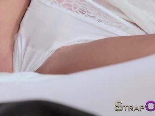blondes hot, lesbians fun, fun strapon online